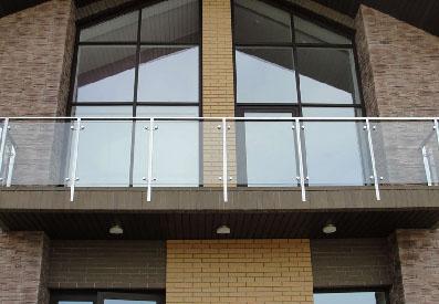 Стеклянные балконные ограждения в Екатеринбурге